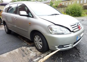 Toyota Avensis Verso automatic breaking