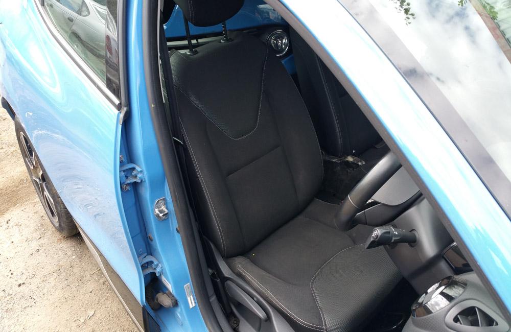 Renault Clio MK4 breaking parts spares Dynamique Medianav 899cc Blue