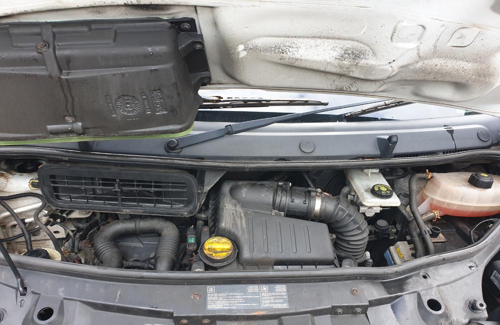 Vauxhall Vivaro Van breaking parts spares 2006-2014 M9R780 M73